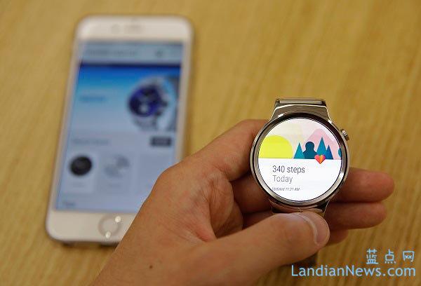 Samsung在IFA上推出的Gear S2智能手表也将支持iOS设备