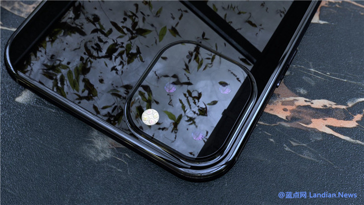 设计师根据当前已有消息发布的 iPhone 11 XS/Max 高清渲染图