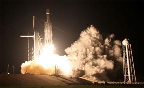 """SpaceX的测试火箭在点火测试后着火:星际飞船变""""火球"""""""