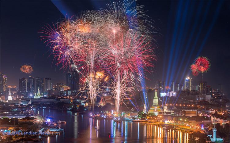 [新年限定] 下载Windows 10免费主题「新年烟花」庆祝2020年的到来