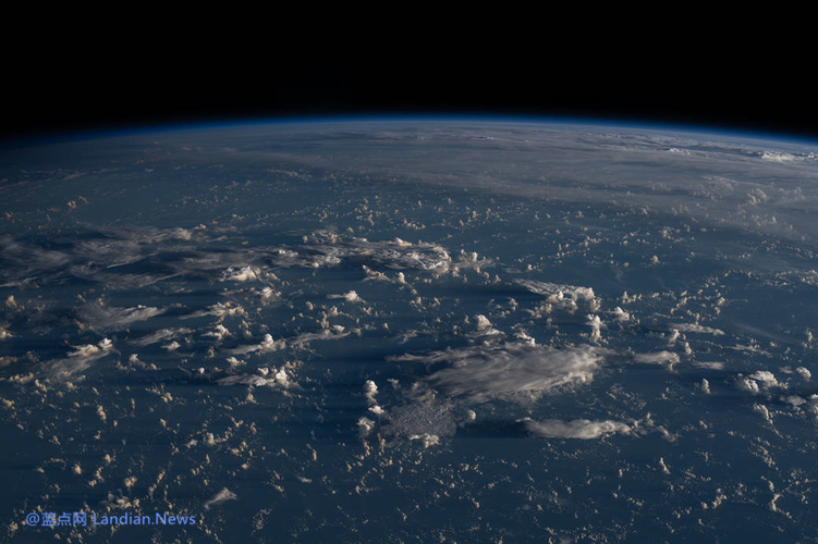 国际空间站两名宇航员完成任务将在8月2日搭载马斯克的载人龙飞船返航