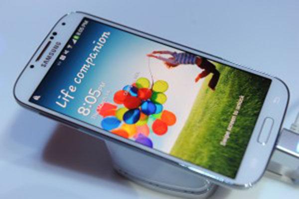 三星新旗舰 Galaxy S6 现身安兔兔  规格曝光