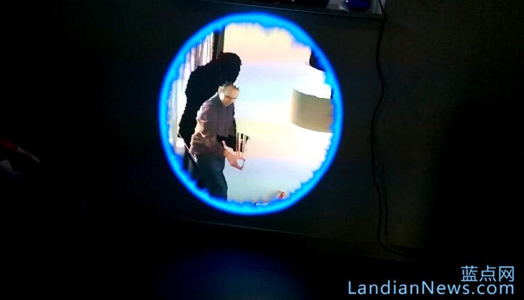 开发者利用Kinect打造全息传送门 [来源:蓝点网 地址:https://www.landiannews.com]